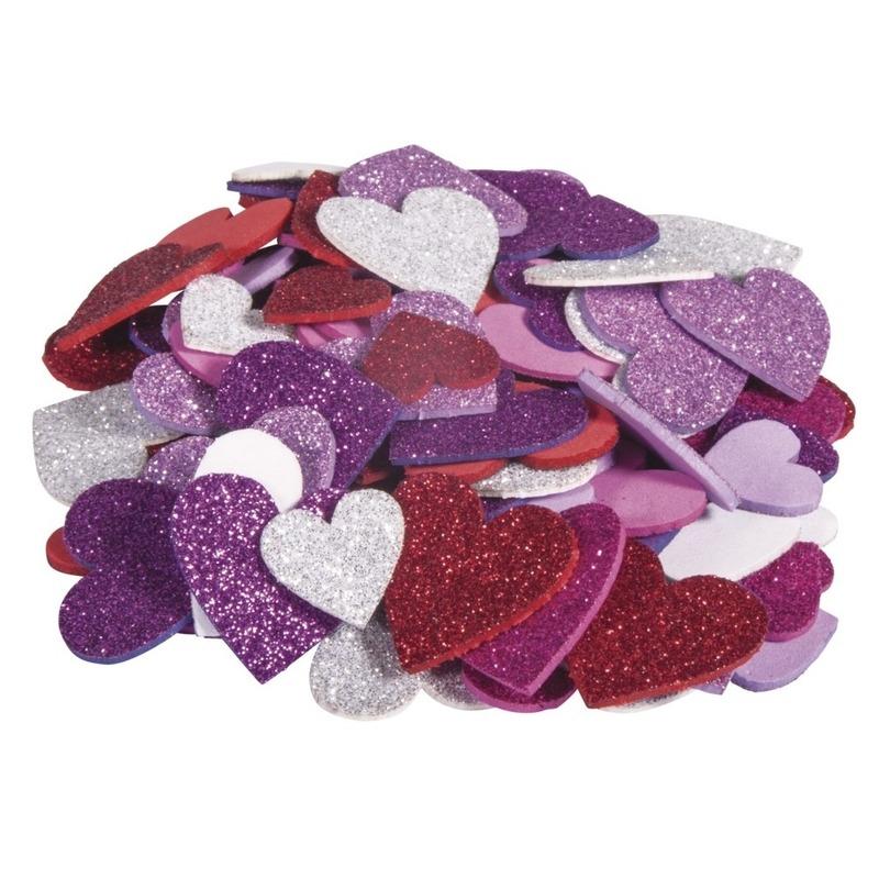 100x Zelfklevende hobby-knutsel foam-rubber hartjes met glitters