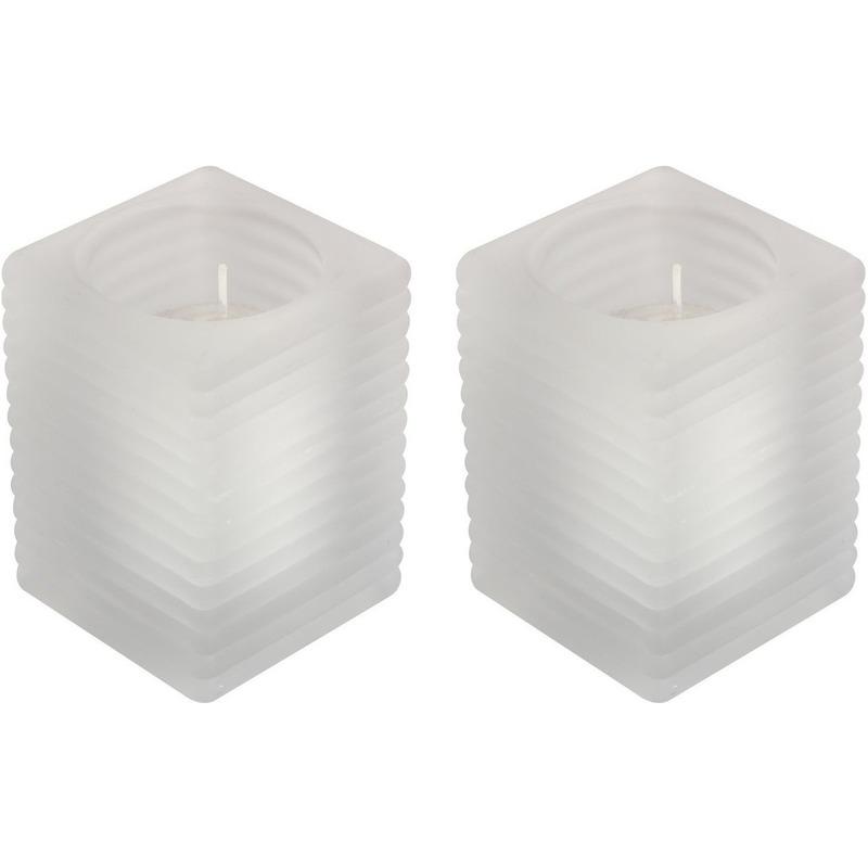 2x Matte kaarsenhouders met kaars 7 x 10 cm 24 branduren